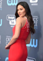 Olivia Munn - Santa Monica - 11-01-2018 - Critics' Choice Awards: sul red carpet si rivedono... i colori!