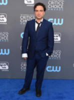 Johnny Galecki - Santa Monica - 11-01-2018 - Critics' Choice Awards: sul red carpet si rivedono... i colori!