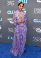 Yara Shahidi - Santa Monica - 11-01-2018 - Critics' Choice Awards: sul red carpet si rivedono... i colori!
