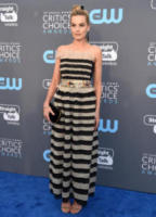 Margot Robbie - Santa Monica - 11-01-2018 - Critics' Choice Awards: sul red carpet si rivedono... i colori!
