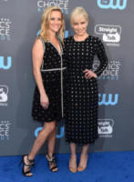 Emilia Clarke, Reese Witherspoon - Santa Monica - 11-01-2018 - Critics' Choice Awards: sul red carpet si rivedono... i colori!