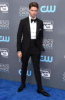 Patrick Schwarzenegger - Santa Monica - 11-01-2018 - Critics' Choice Awards: sul red carpet si rivedono... i colori!