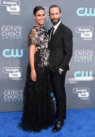 Maria Dolores Dieguez, Joseph Fiennes - Santa Monica - 11-01-2018 - Critics' Choice Awards: sul red carpet si rivedono... i colori!