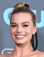 Margot Robbie - Santa Monica - 11-01-2018 - Critics' Choice Awards: trionfa The Shape of Water