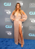 Heidi Klum - Los Angeles - 11-01-2018 - Critics' Choice Awards: sul red carpet si rivedono... i colori!