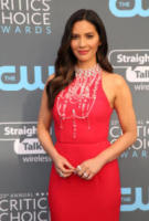 Olivia Munn - Los Angeles - 11-01-2018 - Critics' Choice Awards: sul red carpet si rivedono... i colori!