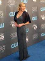 Abbie Cornish - Los Angeles - 11-01-2018 - Critics' Choice Awards: sul red carpet si rivedono... i colori!
