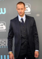 Alexander Skarsgard - Los Angeles - 11-01-2018 - Critics' Choice Awards: sul red carpet si rivedono... i colori!