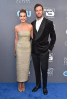 Elizabeth Chambers, Armie Hammer - Santa Monica - 11-01-2018 - Critics' Choice Awards: sul red carpet si rivedono... i colori!