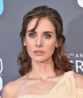 Alison Brie - Santa Monica - 11-01-2018 - Critics' Choice Awards: sul red carpet si rivedono... i colori!