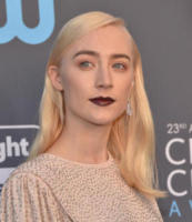 Saoirse Ronan - Santa Monica - 11-01-2018 - Critics' Choice Awards: sul red carpet si rivedono... i colori!