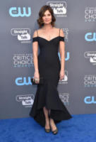 Betsy Brandt - Santa Monica - 11-01-2018 - Critics' Choice Awards: sul red carpet si rivedono... i colori!