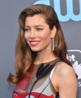 Jessica Biel - Santa Monica - 11-01-2018 - Critics' Choice Awards: sul red carpet si rivedono... i colori!
