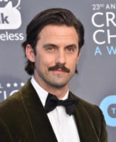 Milo Ventimiglia - Santa Monica - 11-01-2018 - Critics' Choice Awards: sul red carpet si rivedono... i colori!