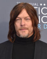 Norman Reedus - Santa Monica - 11-01-2018 - Critics' Choice Awards: sul red carpet si rivedono... i colori!
