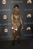 Nimi Adokiye - Los Angeles - 11-01-2018 - The Alienist, la svolta no bra di Dakota Fanning alla première