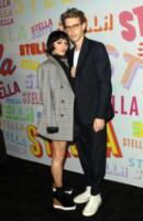Austin Butler, Vanessa Hudgens - Pasadena - 16-01-2018 - Katy Perry, una signora in rosso al defilé di Stella McCartney