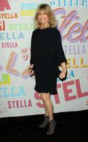 Goldie Hawn - Pasadena - 16-01-2018 - Katy Perry, una signora in rosso al defilé di Stella McCartney