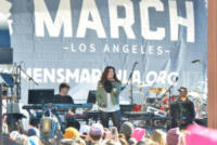 Idina Menzel - Downtown Los Angeles - 20-01-2018 - Time's Up: dal tappeto rosso alle strade d'America