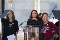 Constance Wu, Eva Longoria, Natalie Portman - Los Angeles - 20-01-2018 - Time's Up: dal tappeto rosso alle strade d'America