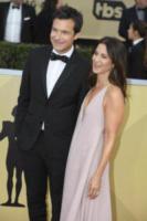 Amanda Anka, Jason Bateman - Los Angeles - 21-01-2018 - SAG Awards: Amanda Anka e Dakota Johnson, chi lo indossa meglio?
