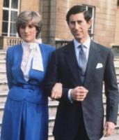 Principe Carlo d'Inghilterra, Lady Diana - 24-02-1981 - Da Elisabetta II a Meghan: gli anelli più preziosi del reame