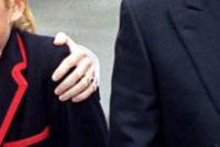 Principessa Beatrix, Principe Andrea Duca di York, Sarah Ferguson - Londra - 06-09-2000 - Emily Ratajkowski mostra l'enorme anello di fidanzamento