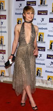 Keira Knightley - Beverly Hills - 18-10-2004 - Keira Knightley, raffinatezza e classe da Oscar sul red carpet