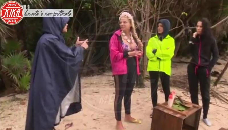 Paola Di Benedetto, Cecilia Capriotti, Francesca Cipriani - Honduras - 01-02-2018 - Isola, Francesca Cipriani si scaglia contro Valeria Marini
