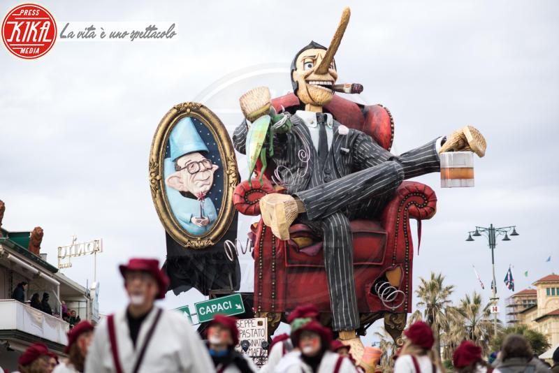 Carnevale di Viareggio - Viareggio - 04-02-2018 - Carnevale di Viareggio, secondo corso all'insegna della politica