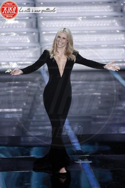 Michelle Hunziker - Sanremo - 06-02-2018 - Sanremo: Hunziker/Christina Ricci, chi lo indossa meglio?
