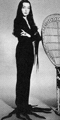 Carolyn Jones - 07-02-2018 - Sanremo: Hunziker/Christina Ricci, chi lo indossa meglio?