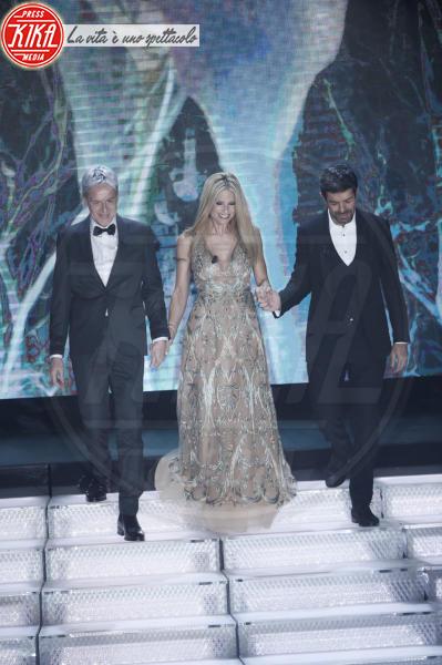 Pierfrancesco Favino, Michelle Hunziker, Claudio Baglioni - Sanremo - 07-02-2018 - Sanremo 2018, Michelle Hunziker splende in Alberta Ferretti