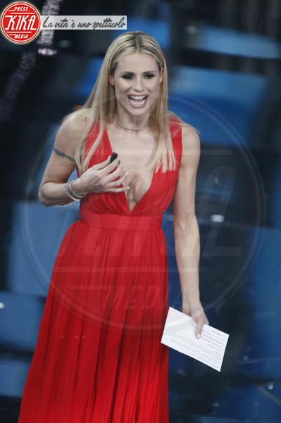 Michelle Hunziker - Sanremo - 08-02-2018 - Sanremo 2018, Michelle Hunziker splende in Alberta Ferretti