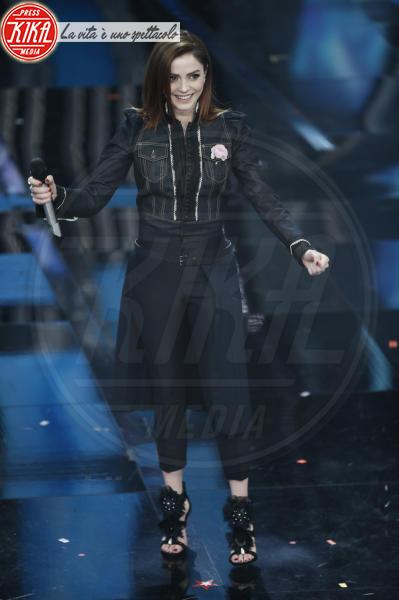Annalisa - Sanremo - 08-02-2018 - Sanremo 2018, Michelle Hunziker splende in Alberta Ferretti