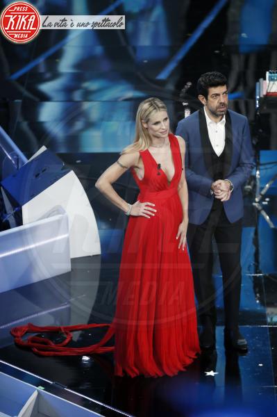 Pierfrancesco Favino, Michelle Hunziker - Sanremo - 08-02-2018 - Sanremo 2018, Michelle Hunziker splende in Alberta Ferretti