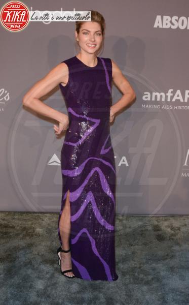 Jessica Hart - NYC - 08-02-2018 - Che audacia all'AmfAR Gala: a me gli occhi!