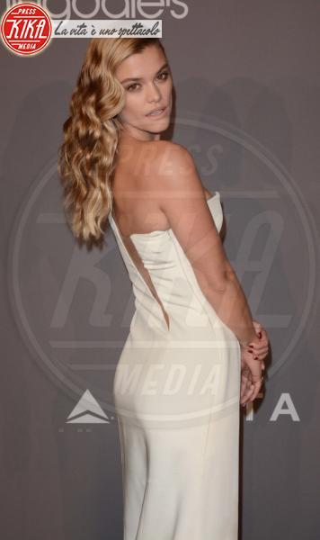 Nina Agdal - New York - 08-02-2018 - Che audacia all'AmfAR Gala: a me gli occhi!