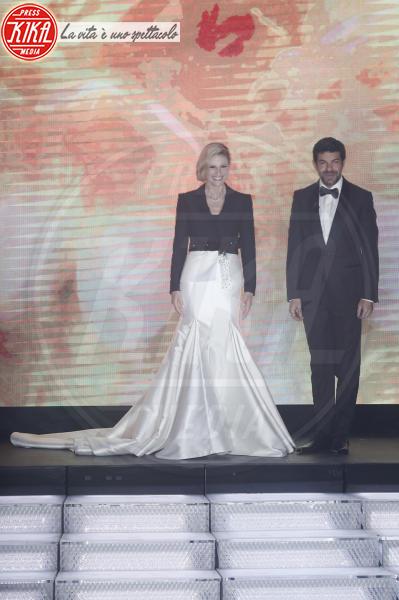 Pierfrancesco Favino, Michelle Hunziker - Sanremo - 08-02-2018 - Sanremo 2018: per Michelle Hunziker il palco è una passerella