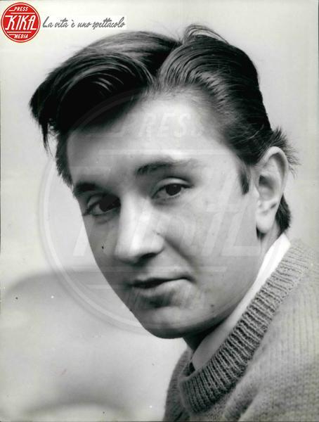 Bobby Solo - 02-02-1965 - Sanremo: da Belen a Patsy Kensit lo scandalo hot è servito!