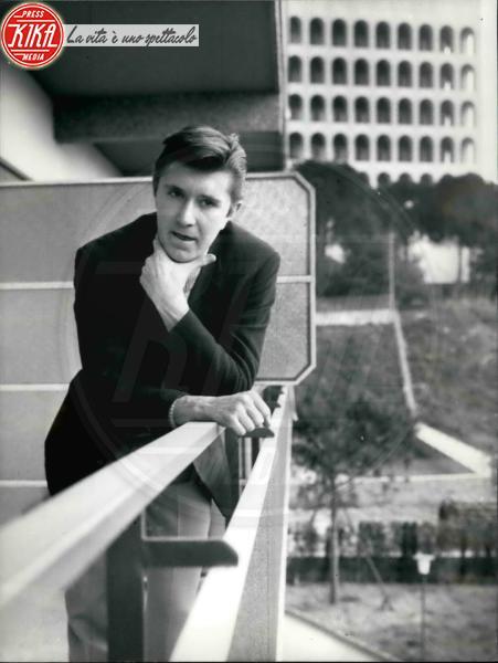 Bobby Solo - 02-02-1964 - Sanremo: da Belen a Patsy Kensit lo scandalo hot è servito!