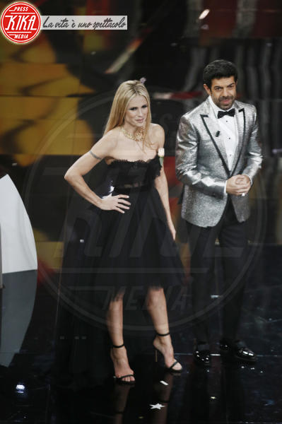 Pierfrancesco Favino, Michelle Hunziker - Sanremo - 09-02-2018 - Sanremo 2018, nuove proposte: vince Ultimo