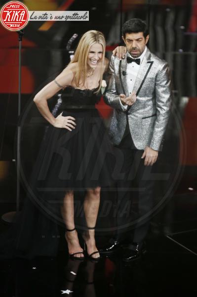 Pierfrancesco Favino, Michelle Hunziker - Sanremo - 09-02-2018 - Sanremo 2018: per Michelle Hunziker il palco è una passerella