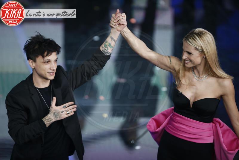 Ultimo, Michelle Hunziker - Sanremo - 09-02-2018 - Sanremo 2018, nuove proposte: vince Ultimo