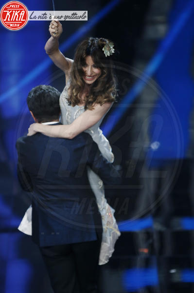 Pierfrancesco Favino, Sabrina Impacciatore, Michelle Hunziker - Sanremo - 09-02-2018 - Sanremo 2018, nuove proposte: vince Ultimo