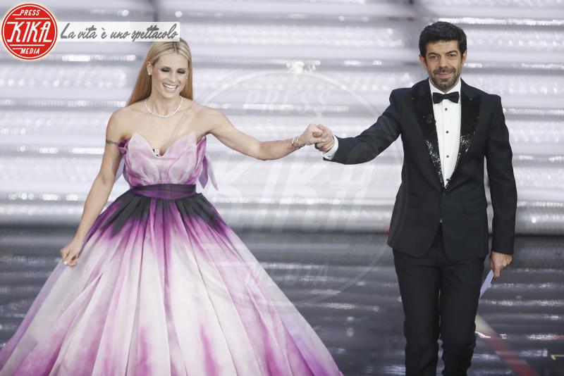 Pierfrancesco Favino, Michelle Hunziker - Sanremo - 10-02-2018 - Sanremo 2018, nuove proposte: vince Ultimo