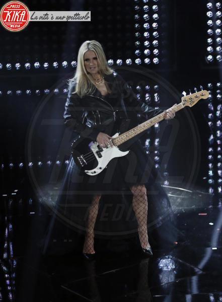 Pierfrancesco Favino, Michelle Hunziker, Claudio Baglioni - Sanremo - 09-02-2018 - Sanremo 2018: per Michelle Hunziker il palco è una passerella