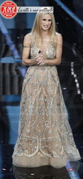 Pierfrancesco Favino, Michelle Hunziker, Claudio Baglioni - Sanremo - 07-02-2018 - Sanremo 2018: per Michelle Hunziker il palco è una passerella