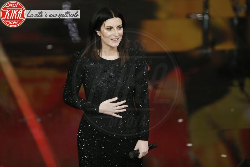 Laura Pausini - Sanremo - 10-02-2018 - Sanremo, Pausini show e Favino commuove con monologo su migranti
