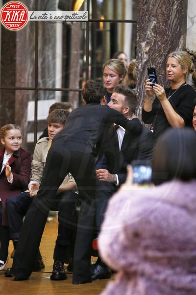 Harper Beckham, Cruz Beckham, Romeo Beckham, David Beckham, Victoria Beckham - New York - 11-02-2018 - NYFW: a fare il tifo per Victoria c'è tutta la famiglia Beckham